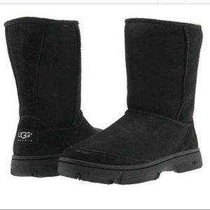 UGG Ultimate Short Black Shearling Lined Boots